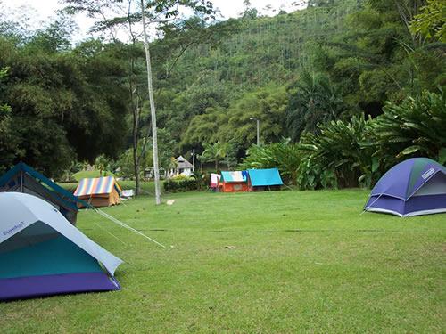 V monos de camping lugares para hacer camping en for Piscinas naturales santander
