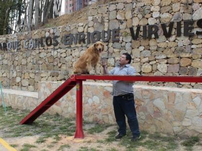 Disfruta con tu mascota del primer parque canino de Bucaramanga.