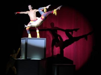 Circo acrobático Sans Arret se presenta en Bucaramanga