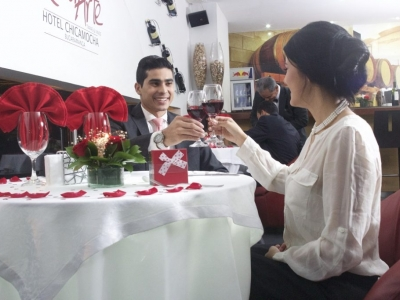 Disfruta una noche romántica con tu pareja en el Hotel Chicamocha