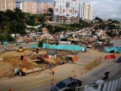 Restringen el acceso vehicular a Antonia Santos desde el viaducto