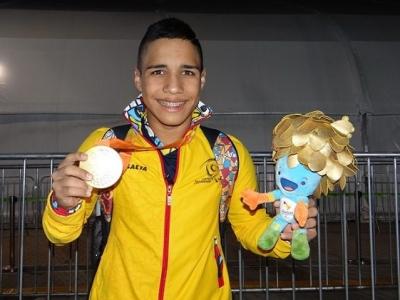 Carlos Daniel Serrano va por el premio a mejor atleta paralímpico masculino del mundo