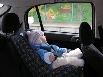 Recomendaciones para viajar con niños en el auto