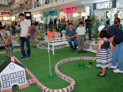 El golf 'se tomó' el Centro Comercial Cañaveral